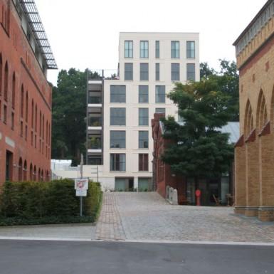 Fertiggestellter Alt- und Neubau